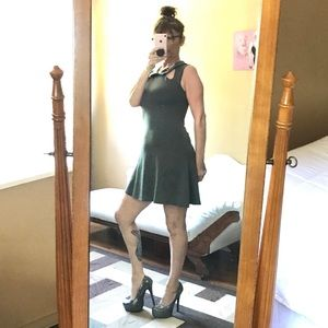 COII GREY SLEEVELESS DRESS FIT & FLARE SMALL